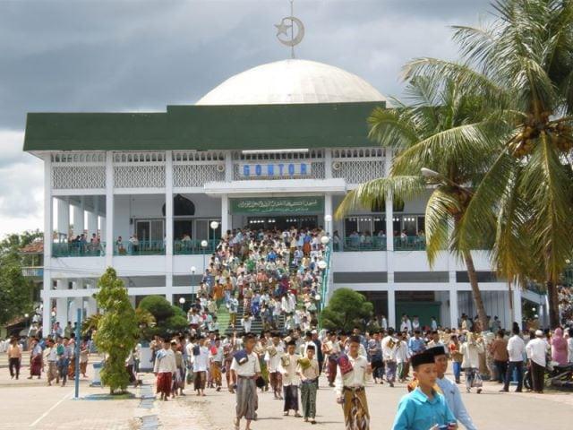 masjid pondok modern gontor
