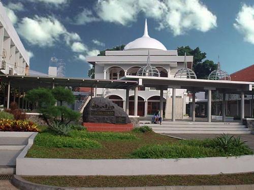 Masjid MNI